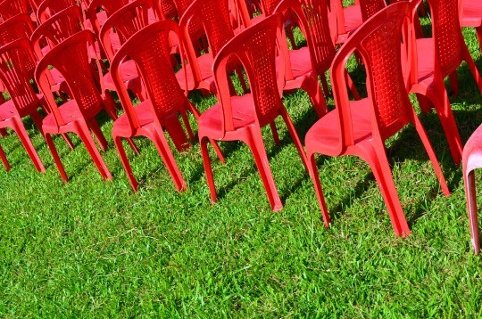 Designerspics.om free photo - red chairs